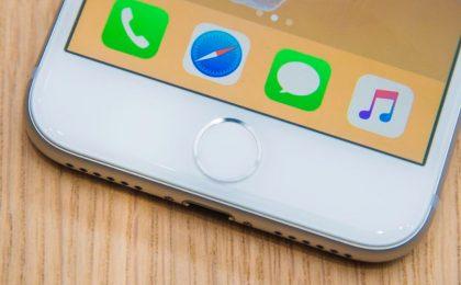 iPhone 8: dormono in auto la notte, ma la mattina sono solo in tre