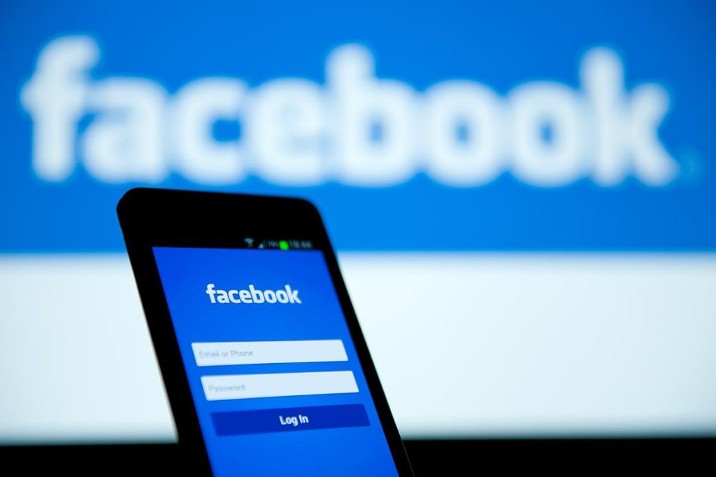 Come cancellarsi da Facebook: definitivamente e per sempre