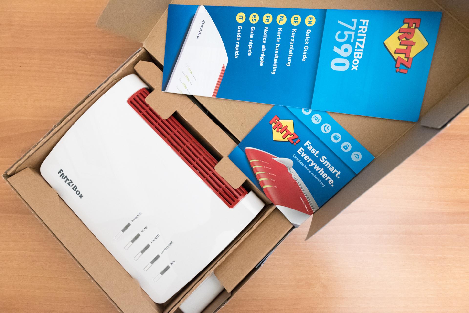 Contenuto confezione FRITZ!Box 7590