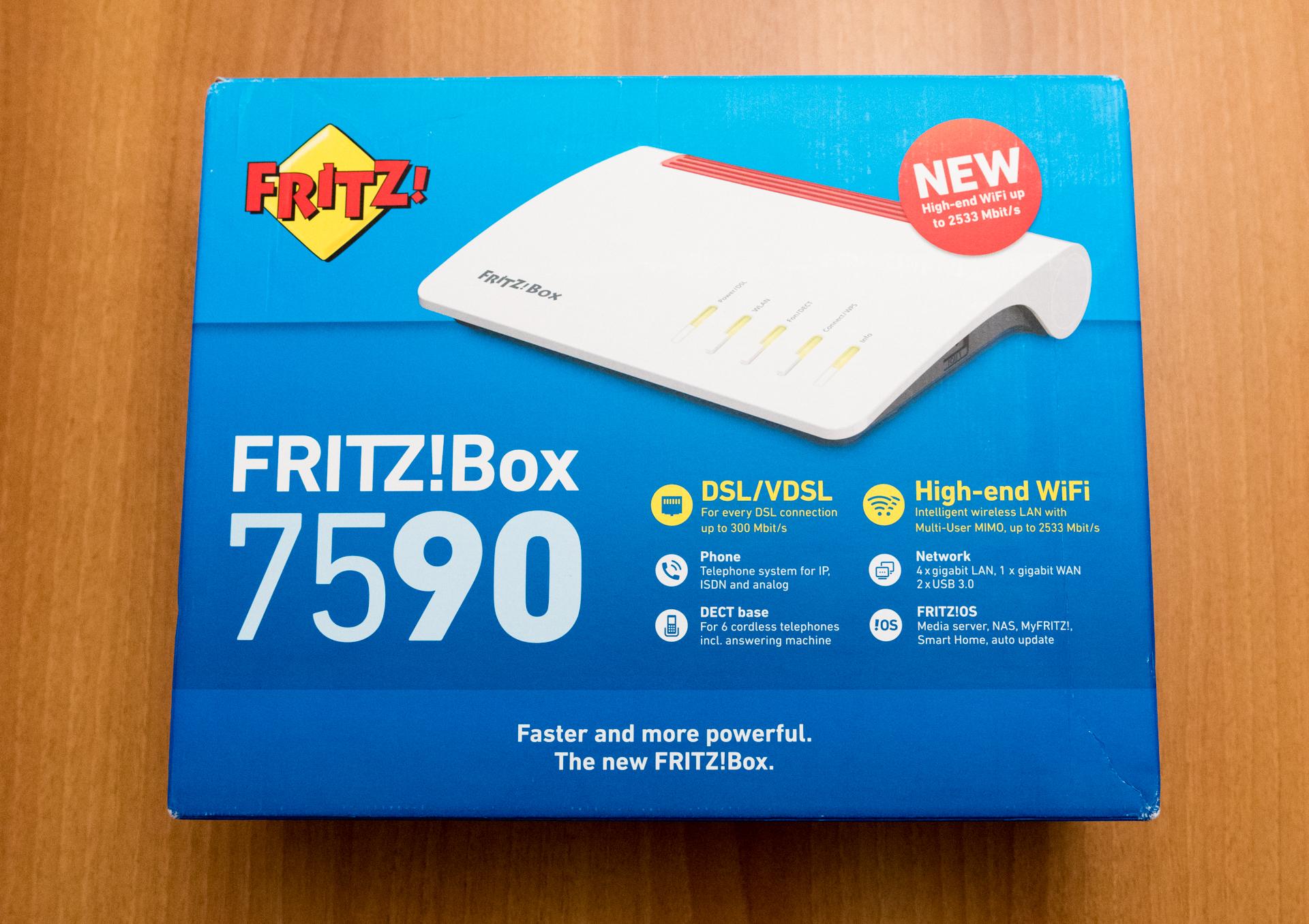 FRITZ!Box 7590 unboxing
