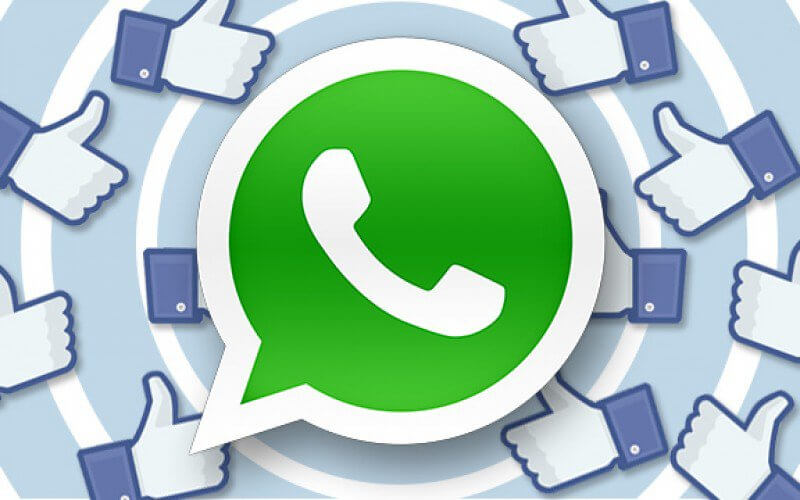 Facebook con pulsante WhatsApp integrato in arrivo