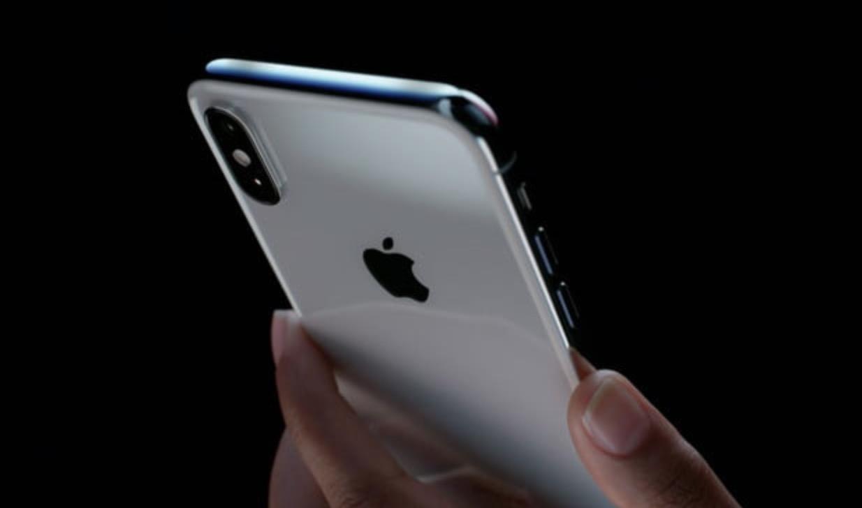 iPhone X, videorecensione: le prime videoreview e opinioni