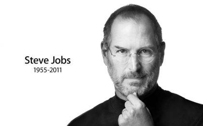 Sei anni senza Steve Jobs: i social lo celebrano, Apple no