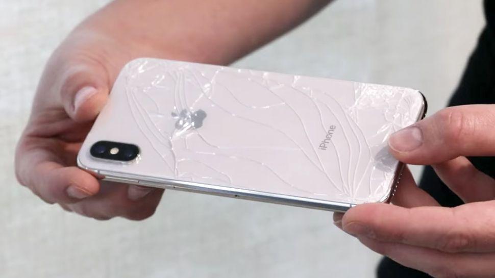 iPhone X, il più fragile degli iPhone ma vendite record