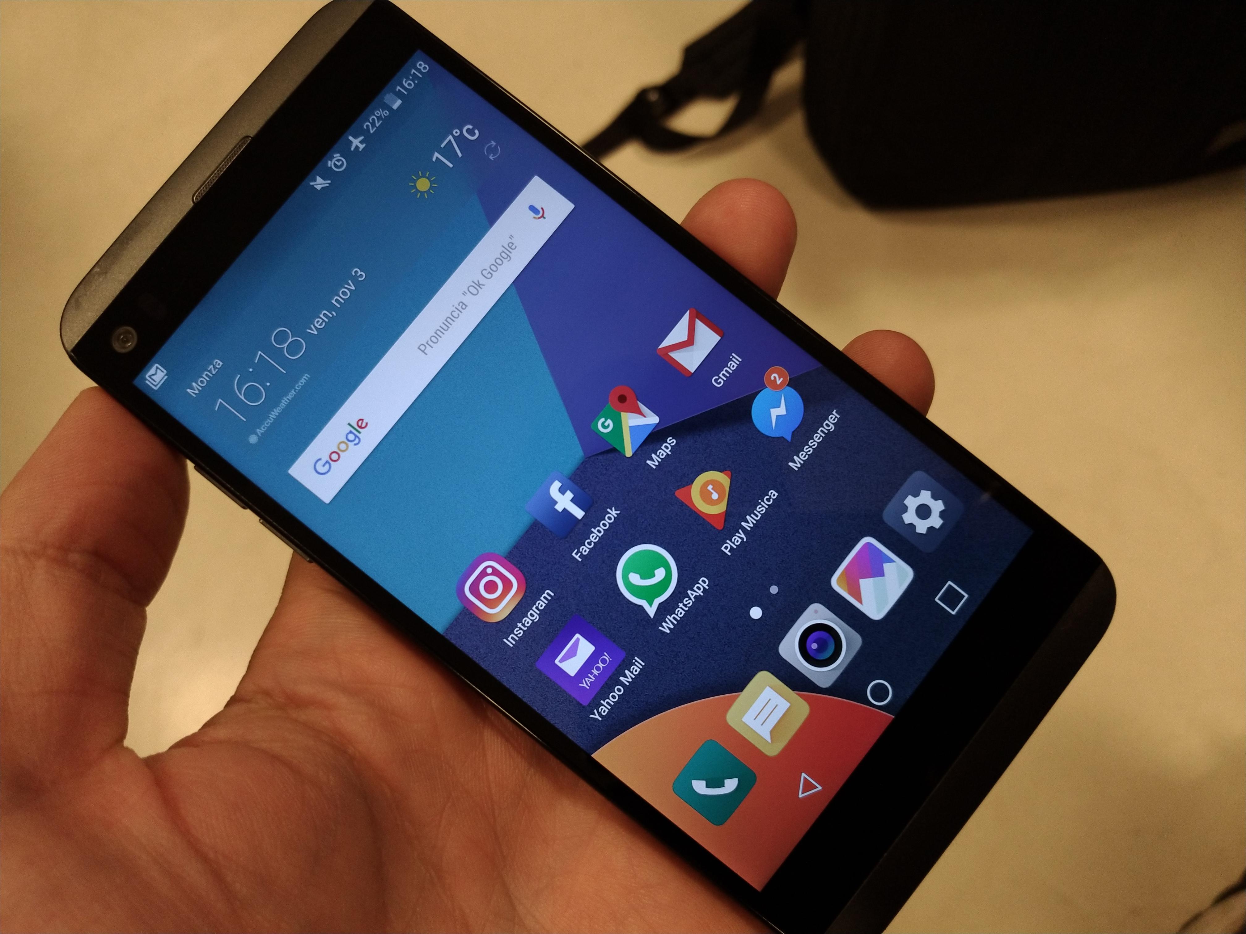 LG Q8: recensione e pro&contro dello smartphone