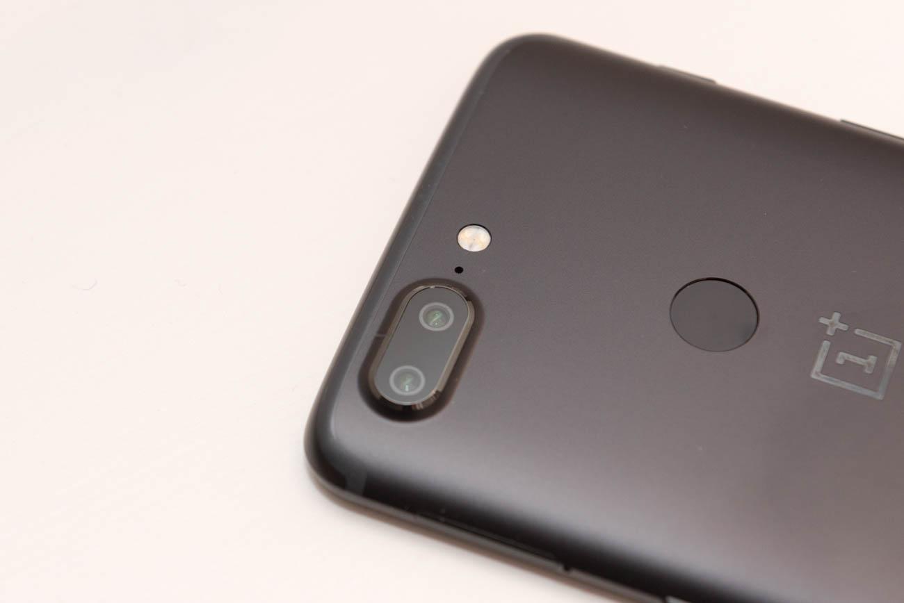OnePlus 5T dettaglio fotocamere