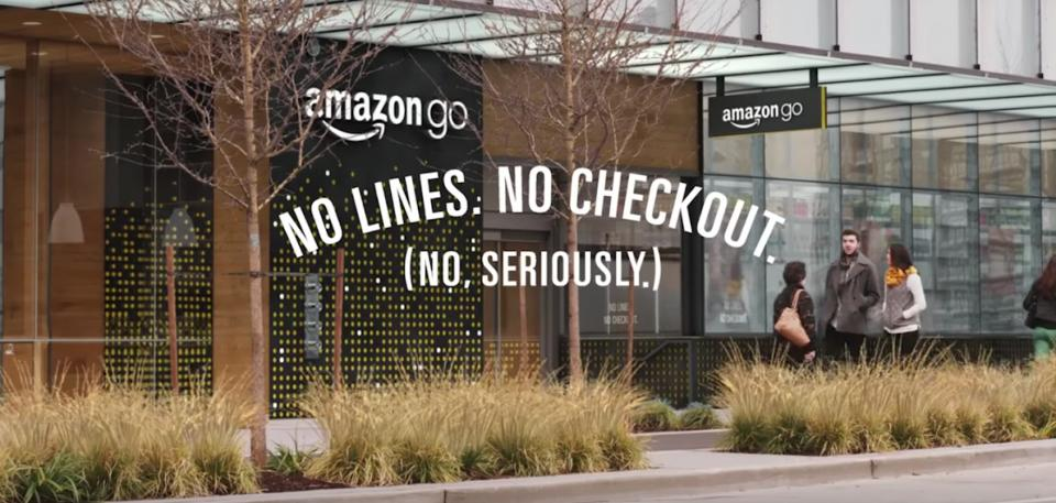 Amazon Go addio code e casse