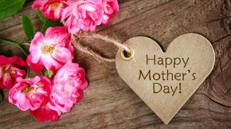Festa della mamma cuore e rose