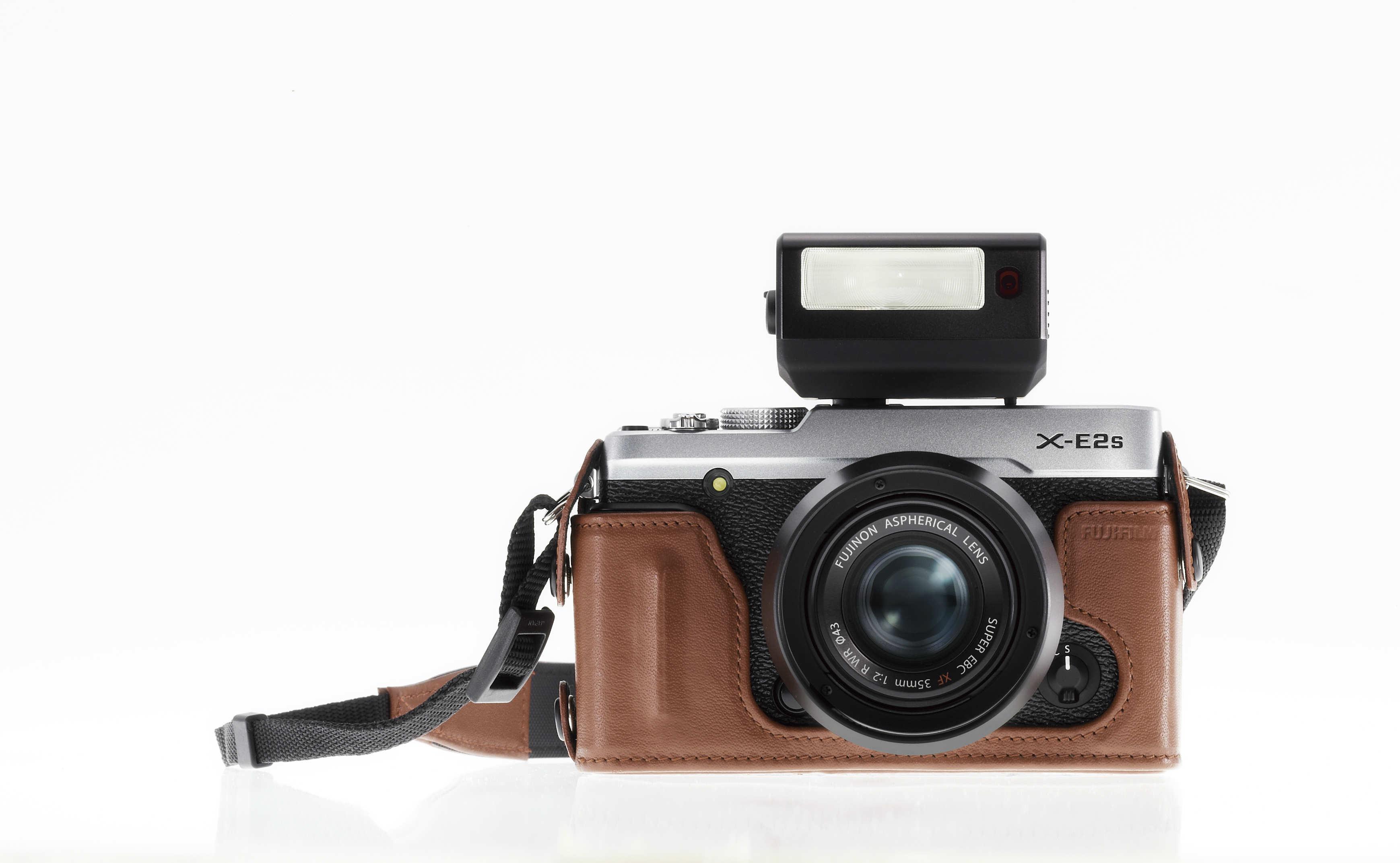 Fujifilm X E2S_custodia pelle