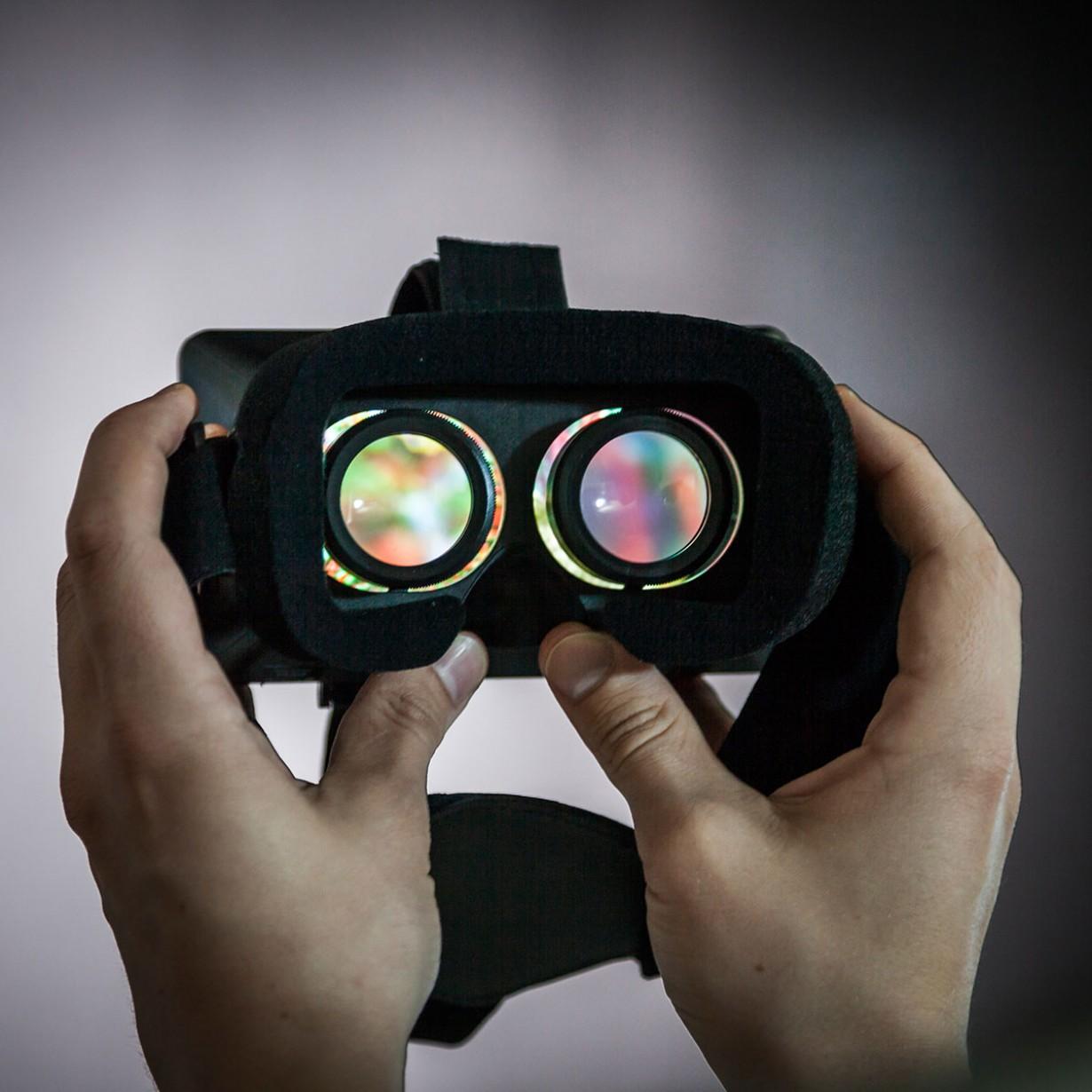 visore realta virtuale per smartphone lenti